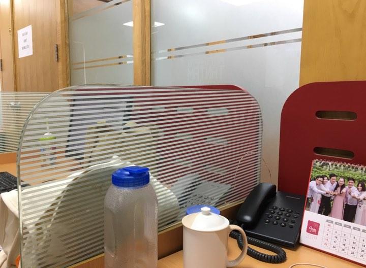 bàn ghế, vách ngăn văn phòng